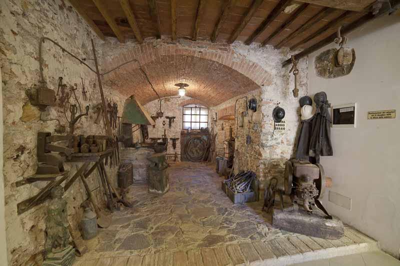 Isola-d-elba - Museo - officina fabbro ferraio