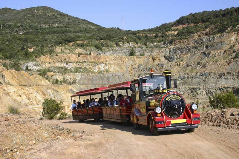 Isola-d-elba - la visita della miniera di Rio Marina con il trenino