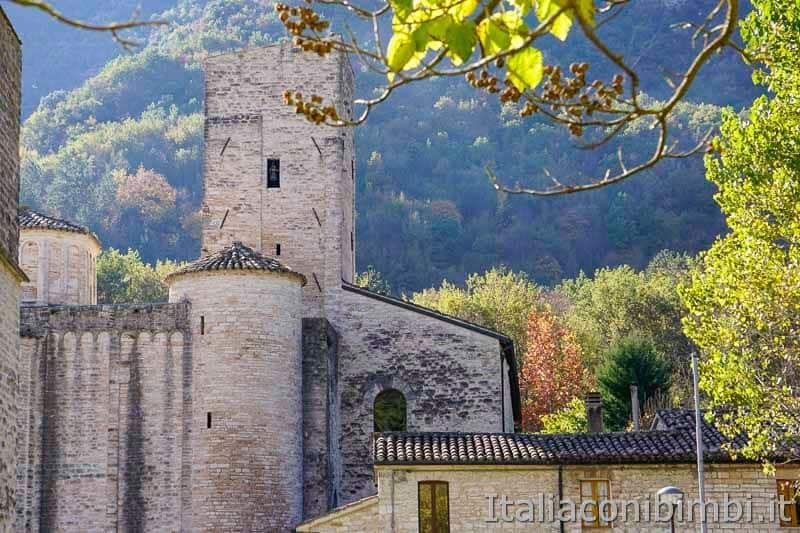 Abbazia di San Vittore alle Chiuse - Gola di Frasassi