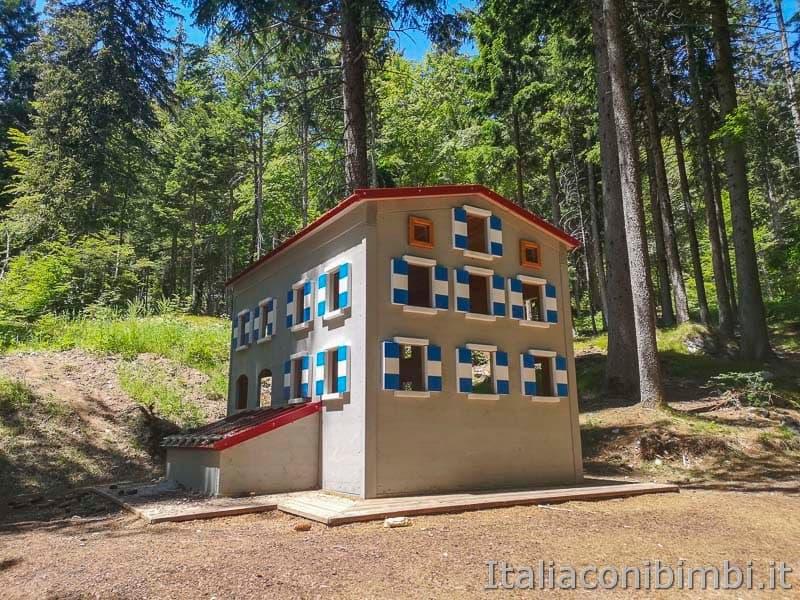 Sarnacli Park - rifugio pedrotti in miniatura