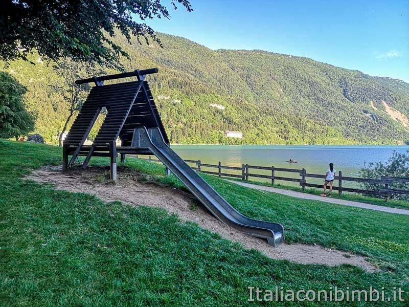 Lago di Molveno - parco giochi