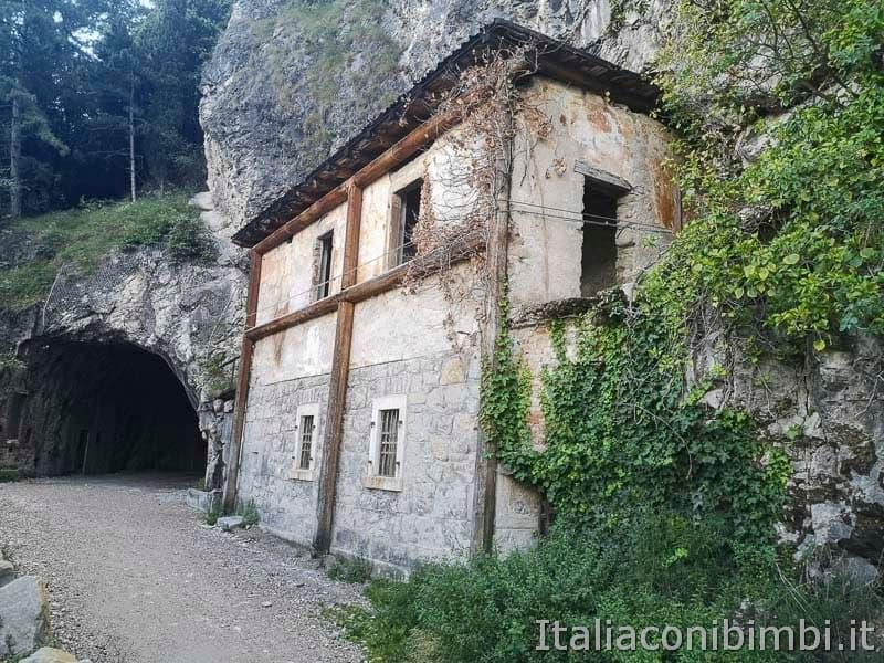 Sentiero del Ponale di Riva del Garda gallerie