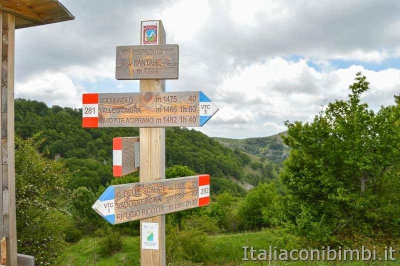 Altopiano del Voltigno - cartelli sentieri