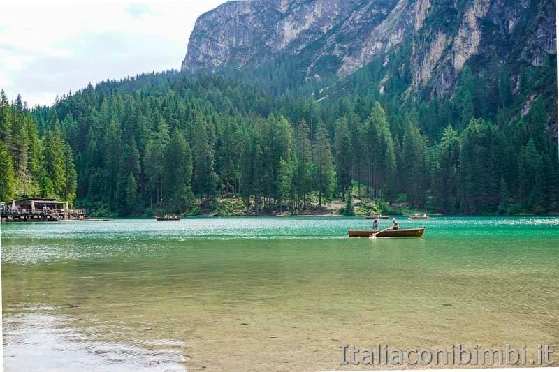 Lago di Braies - barca a remi