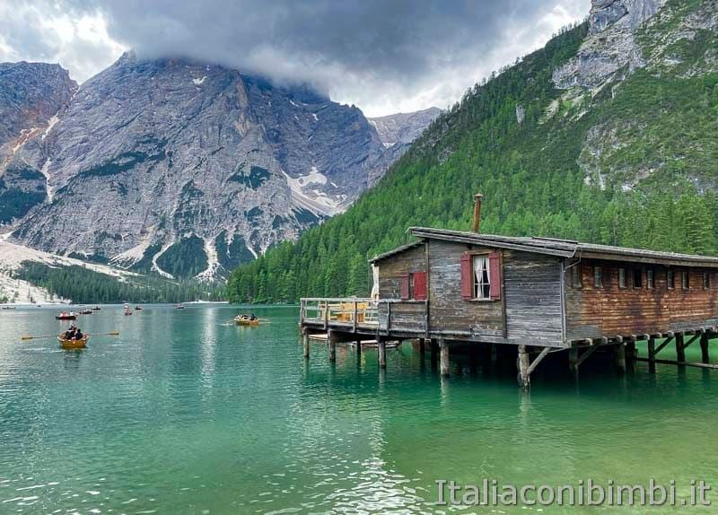Lago di Braies - casetta noleggio barche