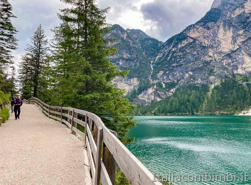 Lago di Braies - giro del lago lato destro verso Malga Foresta