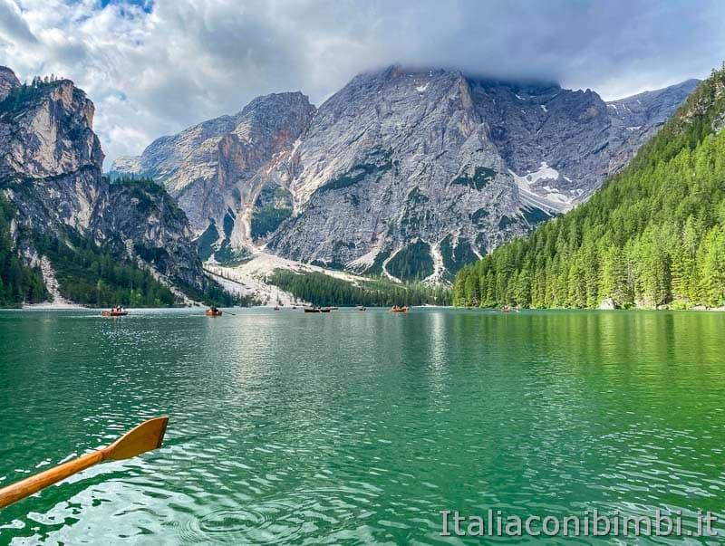 Lago di Braies - in barca sul lago