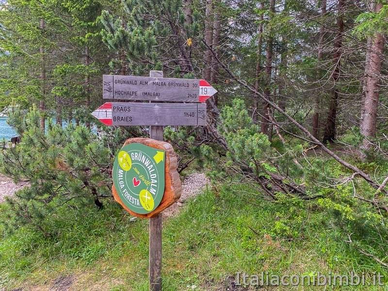 Lago di Braies - indicazioni per Malga Foresta
