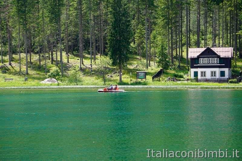 Lago di Dobbiaco - pedalò
