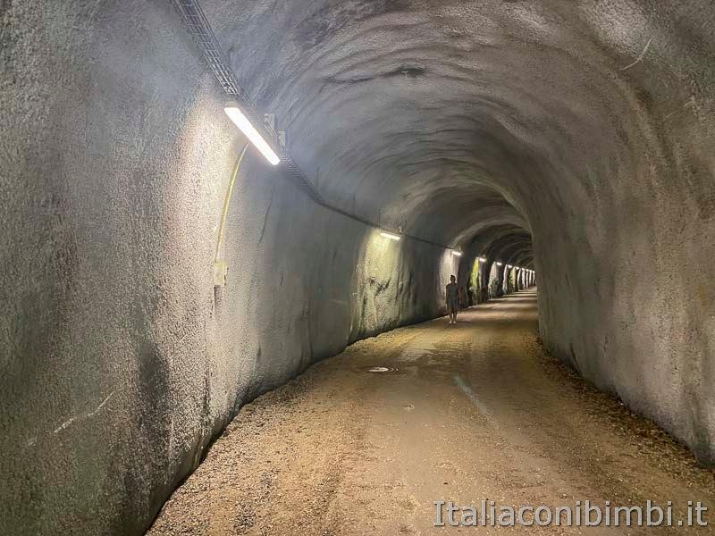 Pista ciclabile San Candido - Brunico - galleria da attraversare