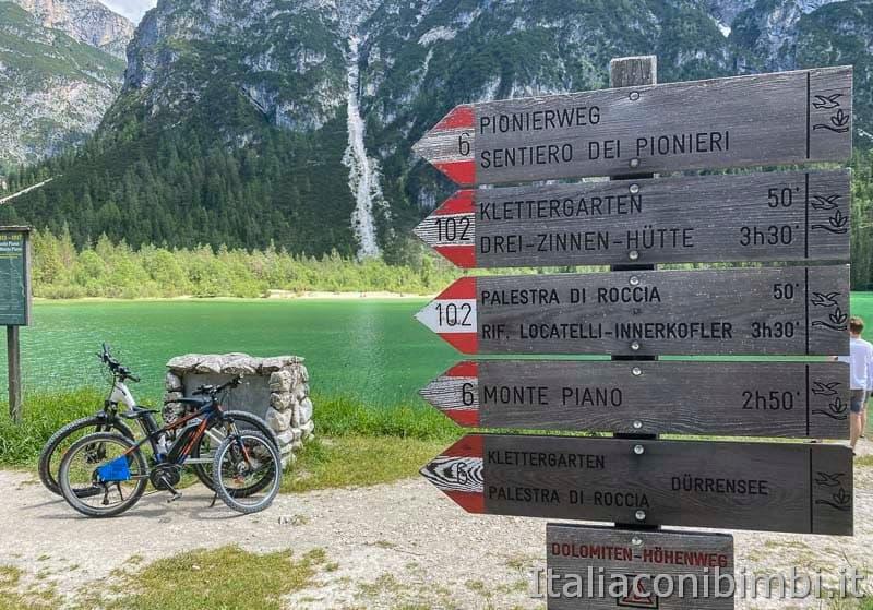 Pista ciclabile - biciclette al lago di Landro