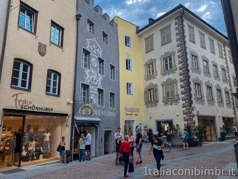 Brunico - negozi