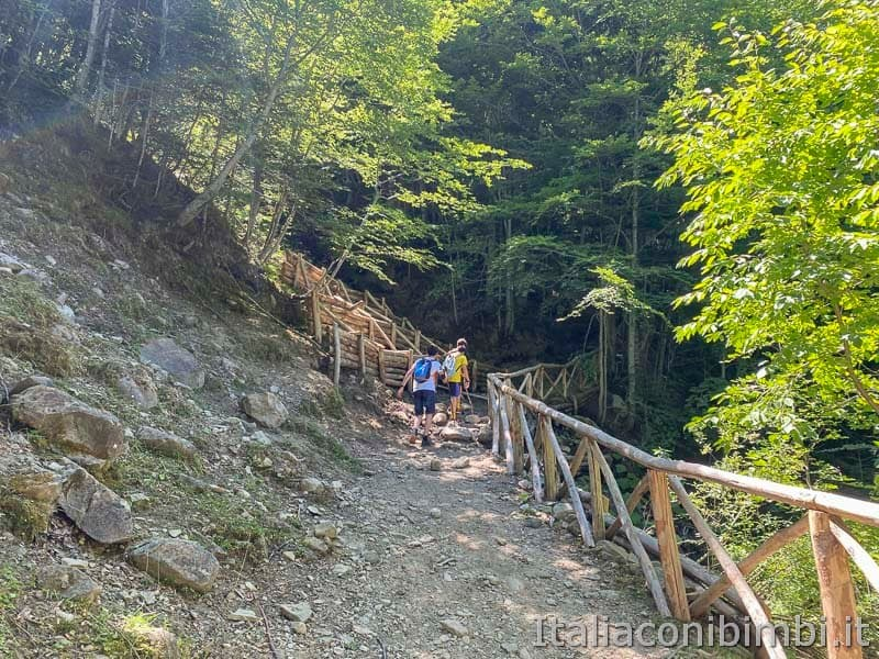 Il Ceppo - sentiero per la cascata
