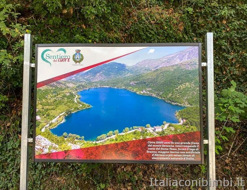 Lago di Scanno - cartello del sentiero del cuore