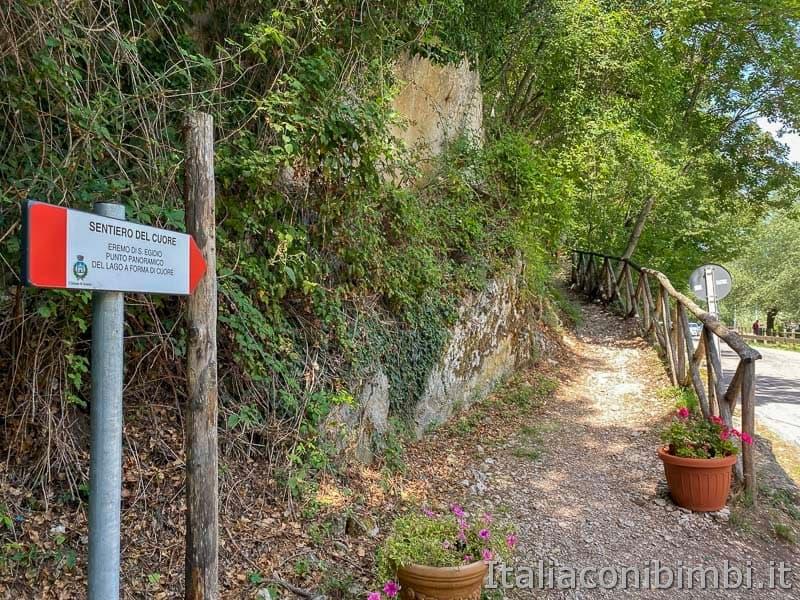 Lago di Scanno - inizio sentiero del cuore