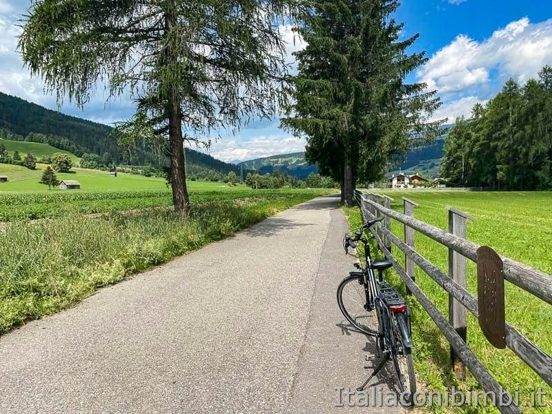 Pista ciclabile San Candido - Brunico - steccato