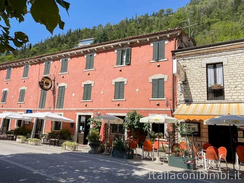 Riserva naturale Gola del Furlo - albergo ristorante antico Furlo