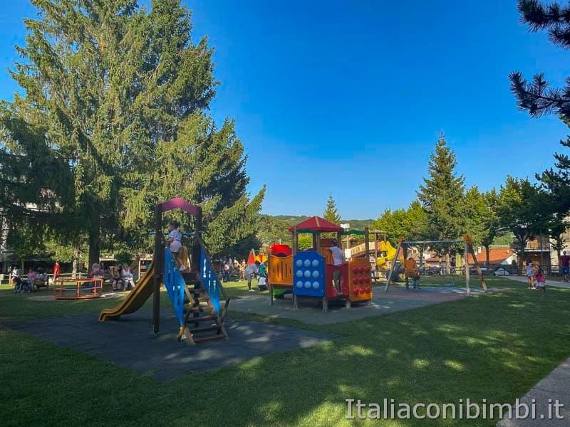 Roccaraso - parco giochi pratone