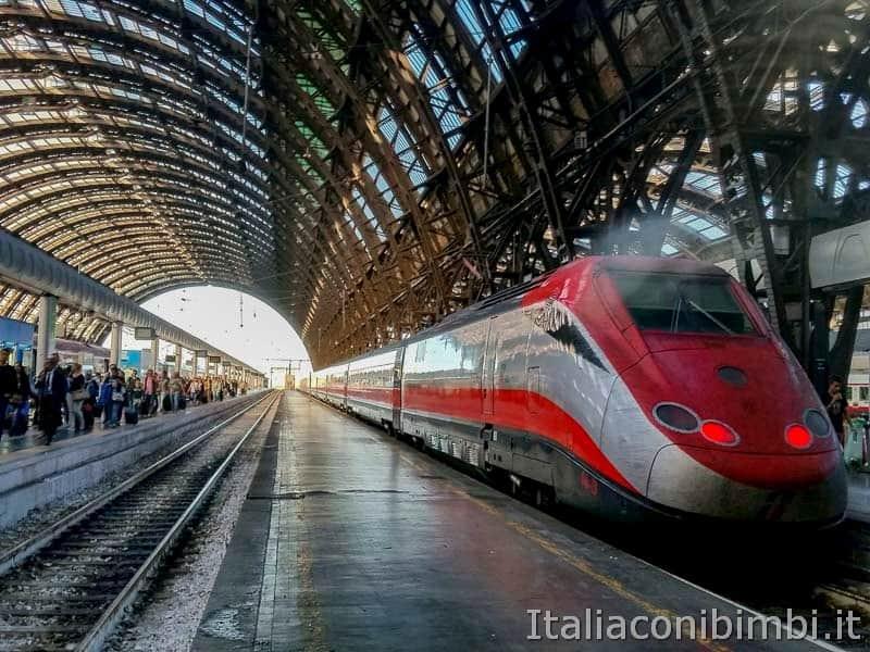 treno - stazione di Milano