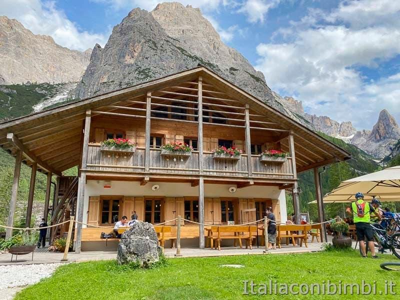 Val Fiscalina - rifugio Fondovalle ingresso