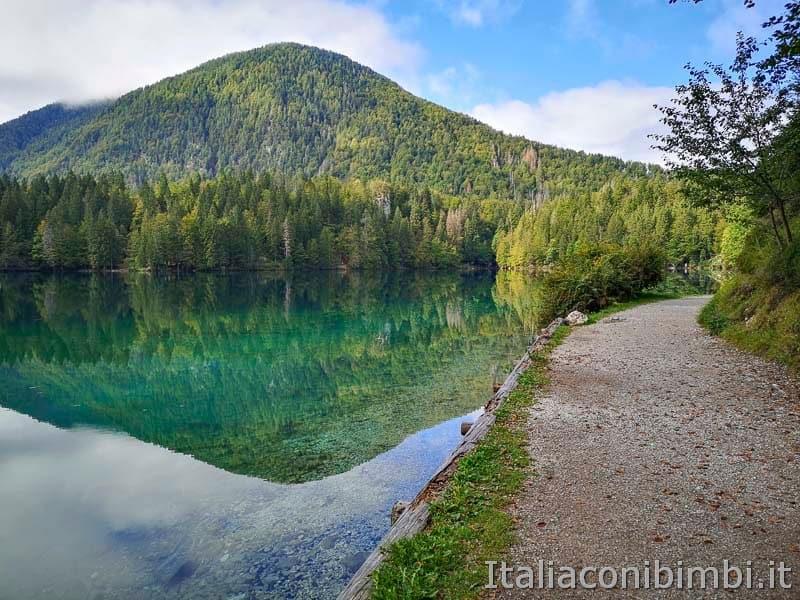 Laghi di Fusine - lago inferiore altro lato