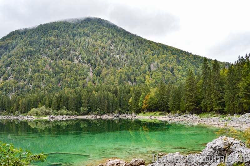 Laghi di Fusine - lago superiore altro lato