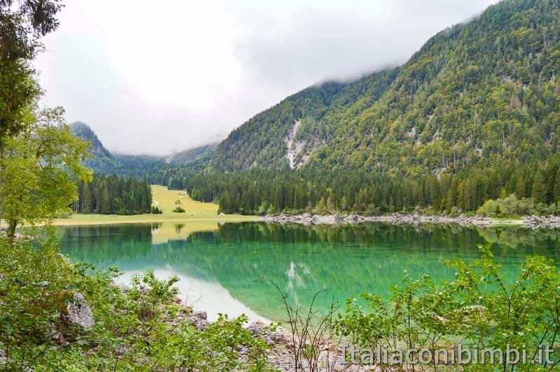 Laghi di Fusine - lago superiore panorama