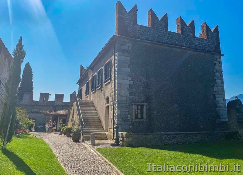 Malcesine - museo di storia naturale esterno