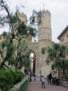 Porta Soprana e casa di Colombo a Genova